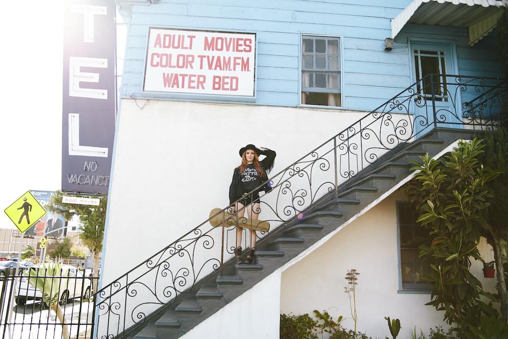 worn-free-flying-burrito-bros-vintage-tee-rock-country-western-la-hip-threads-motel-hollywood-bed-stu-vintage-fringe 1