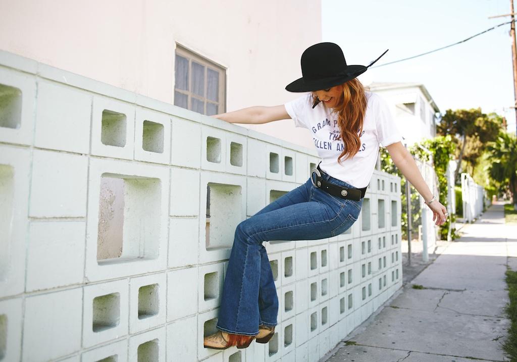 worn-free-gram-parsons-fallen-angels-vintage-rock-tee-billi-blues-western-cowboy-boots-vintage 9