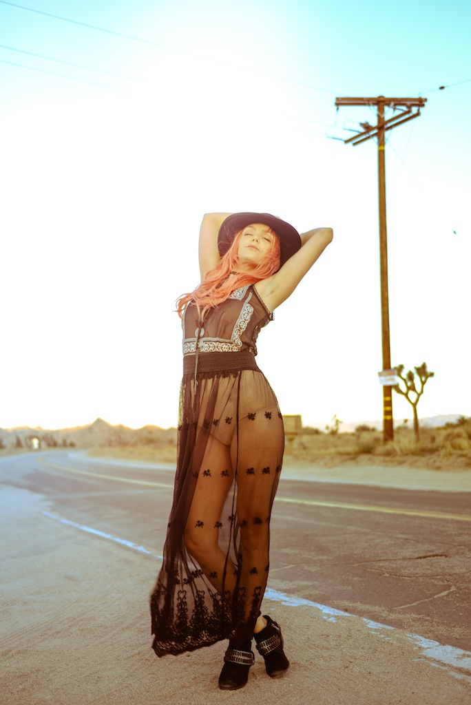 gypsy-junkies-joshua-tree-desert-pioneertown-pappy-and-harriets-western-fashion-travel-blogger-boho-bunnie-bohemian-19