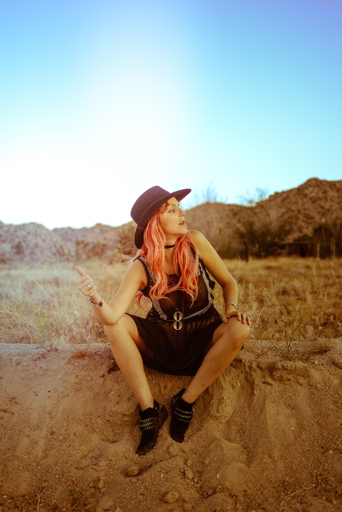 gypsy-junkies-joshua-tree-desert-pioneertown-pappy-and-harriets-western-fashion-travel-blogger-boho-bunnie-bohemian-5