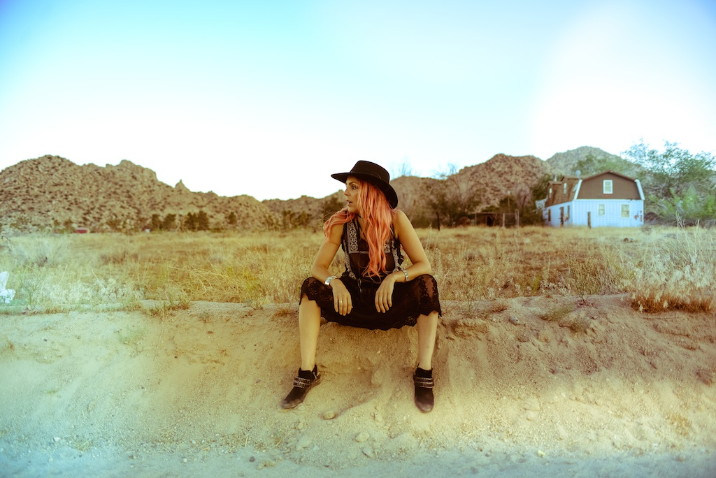 gypsy-junkies-joshua-tree-desert-pioneertown-pappy-and-harriets-western-fashion-travel-blogger-boho-bunnie-bohemian-7