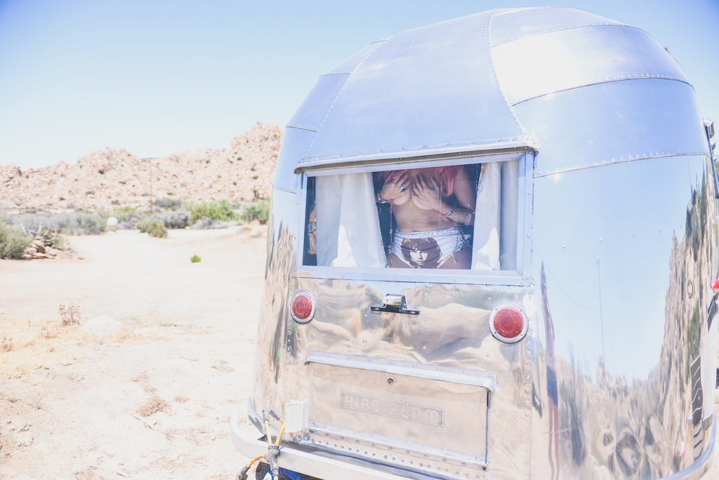 this-is-mouth-jim-morrison-panties-the-doors-airstream-rancho-v-mykita-sunglasses-desert-fashion-blogger-joshua-tree-boho-14