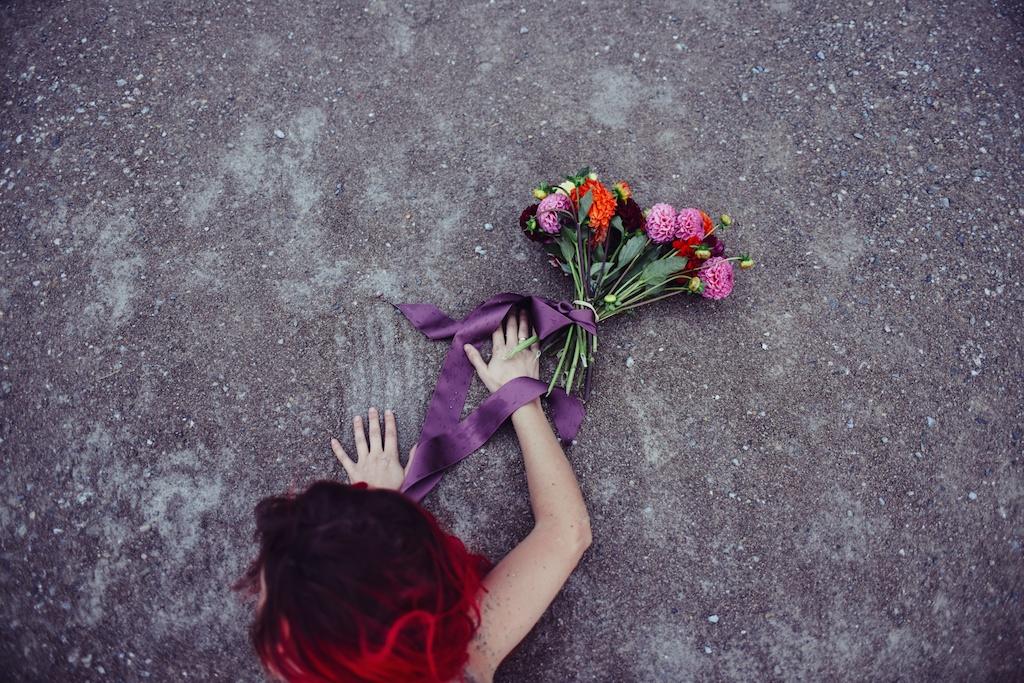 shop-tobi-boho-bunnie-sheer-embroidered-maxi-dress-belvedere-castle-vienna-austria-bohemian-couture-fashion-blogger-overtone-hair-color-extreme-red-42