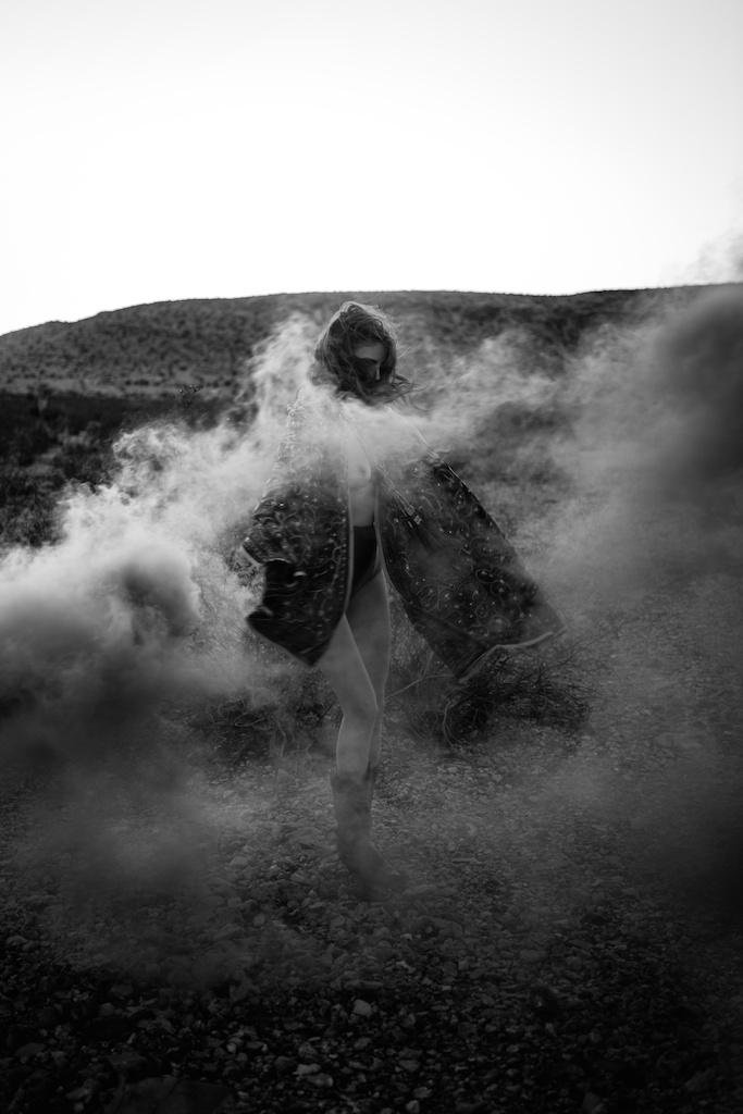 pachamama-bohemian-overtone-bohobunnie-smoke-bomb-fashion-blogger-vegas-poncho-shawl-indian-22