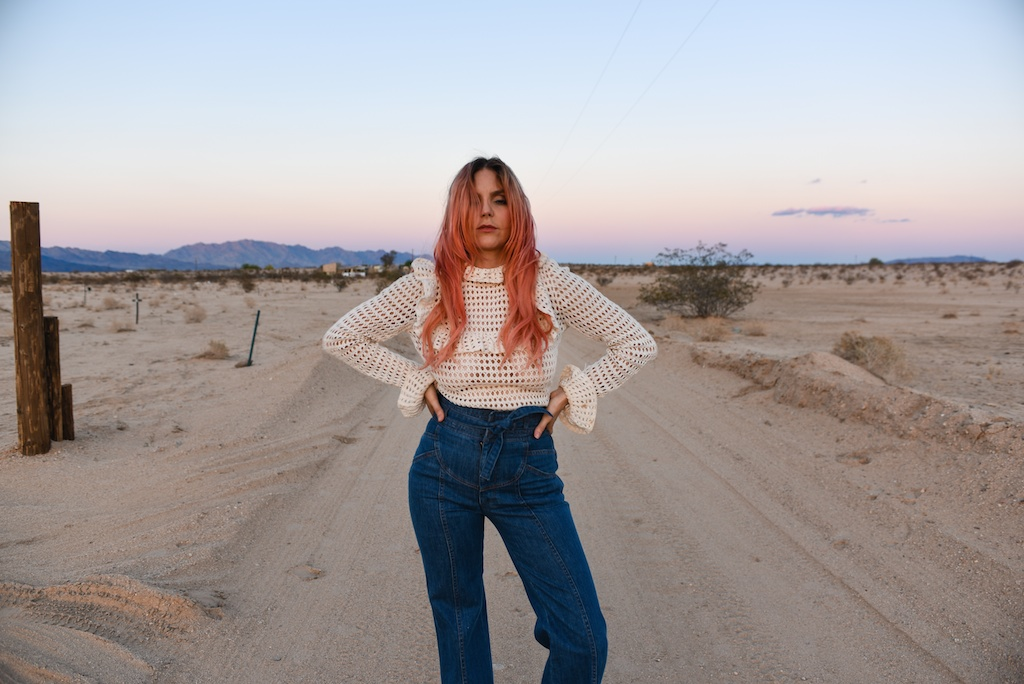 crochet-vintage-sweater-stoned-immaculate-rose-gold-hair-joshua-tree-fashion-blogger-desert-photo-shoot-ruffles-high-waist-denim-70s-style-boho-bunnie-2