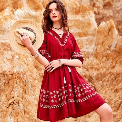 Artka ретро-платье с вышивкой