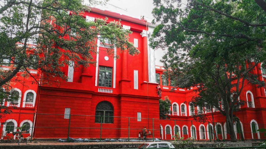 red, red buildings, karnataka high court, red and white, architecture, bangalore, cubbon park