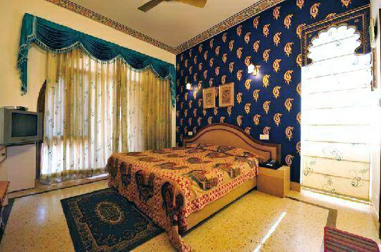 hotel pearl palace hotel room, budget hotels in jaipur, rajasthan, travel to india