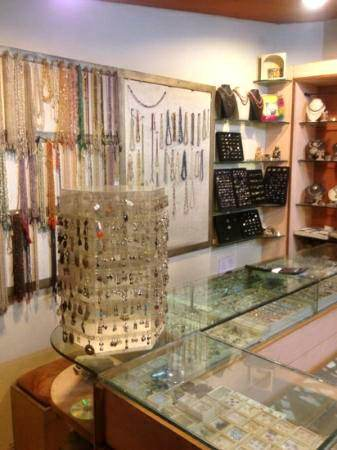 hotel pearl palace silver shop, hotel pearl palace, jaipur, rajasthan, travel india, budget hotels in north india