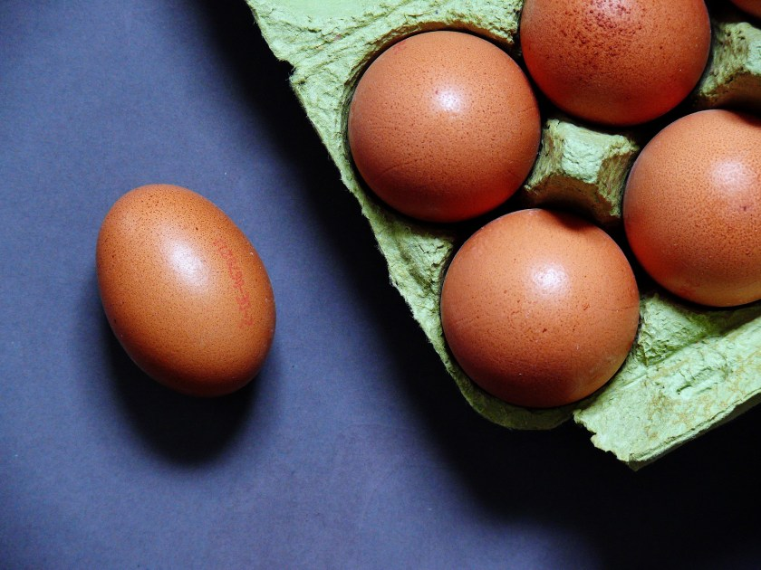 lay eggs on the side to center yolk