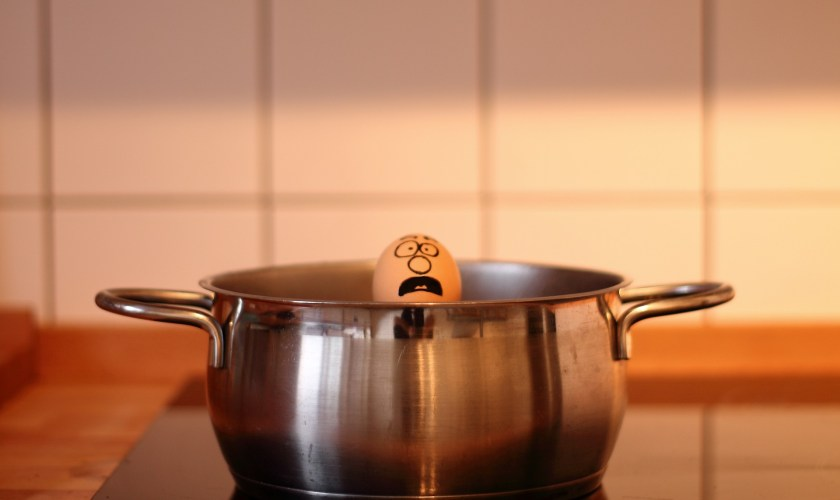Unreliable way of boiling eggs