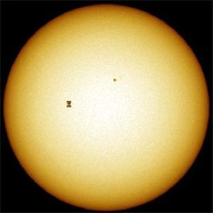 Media Inline Amateur-Astronomers-Spy-Satellite 1