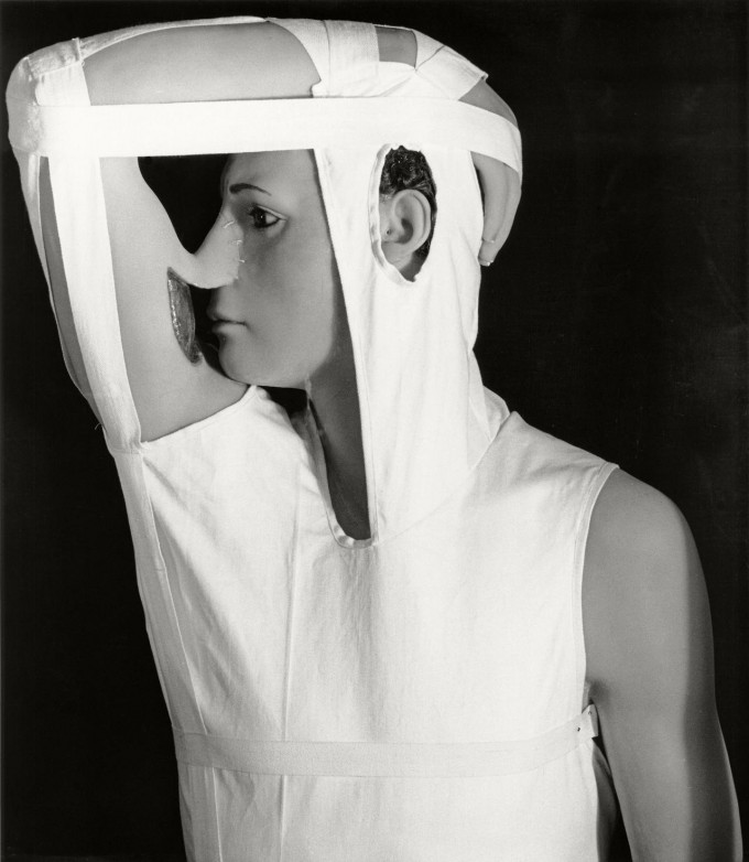 Published in HERBERT LIST MONOGRAPH page 42