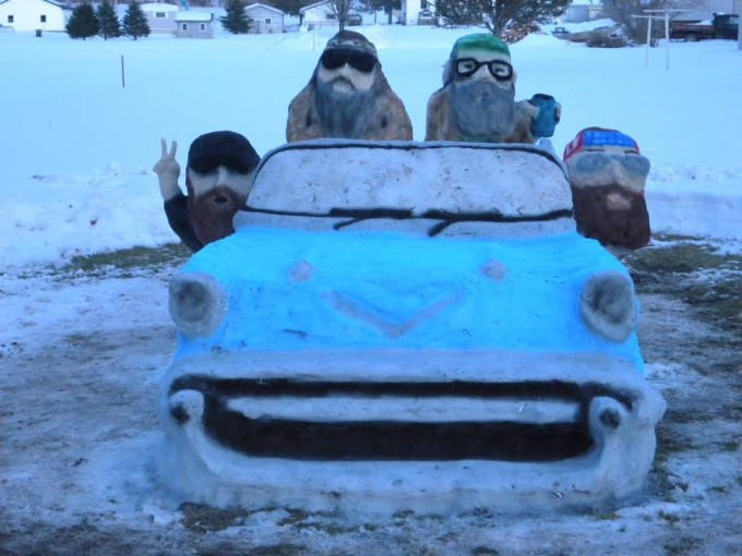 Duck Dynasty snow sculpture