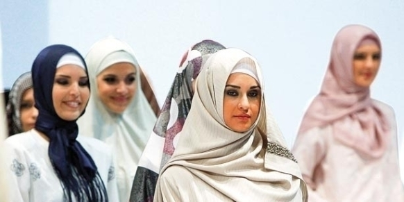 Islamic Fashion Fair in Istanbul April 11, 2010. [Reuters]