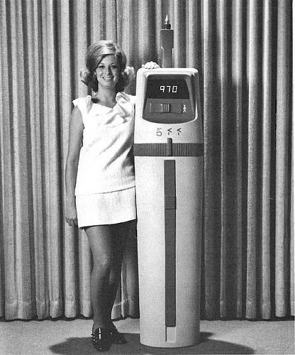computers-miniskirts-11