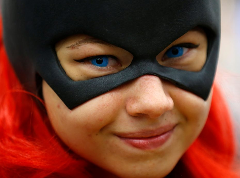 Gina Gianni of Chicago comes dressed as an animated Batgirl at the pop culture event Comic-Con International in San Diego, California, United States July 22, 2016.    REUTERS/Mike Blake - RTSJ9OZ