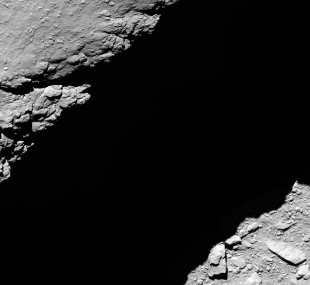 _91461410_comet_from_1-2_km_na