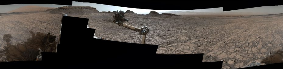 """360º pano from Mast Camera (Mastcam) on NASA's Curiosity Mars rover, as it neared """"Murray Buttes"""" on lower Mount Sharp. [NASA]"""