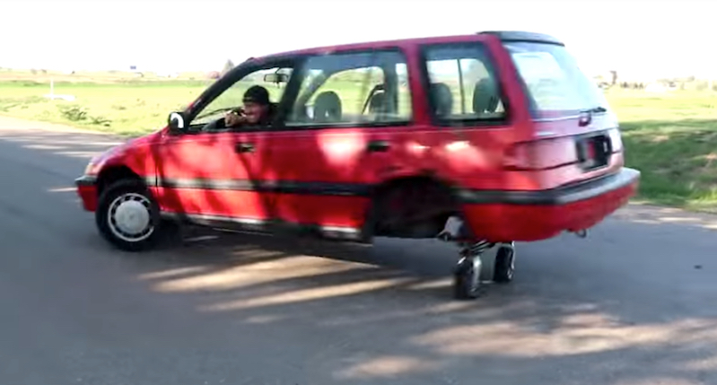 Gentlemen mod a car with shopping-cart style caster wheels | Boing Boing