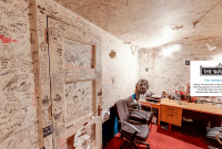 Warfield Autograph Room