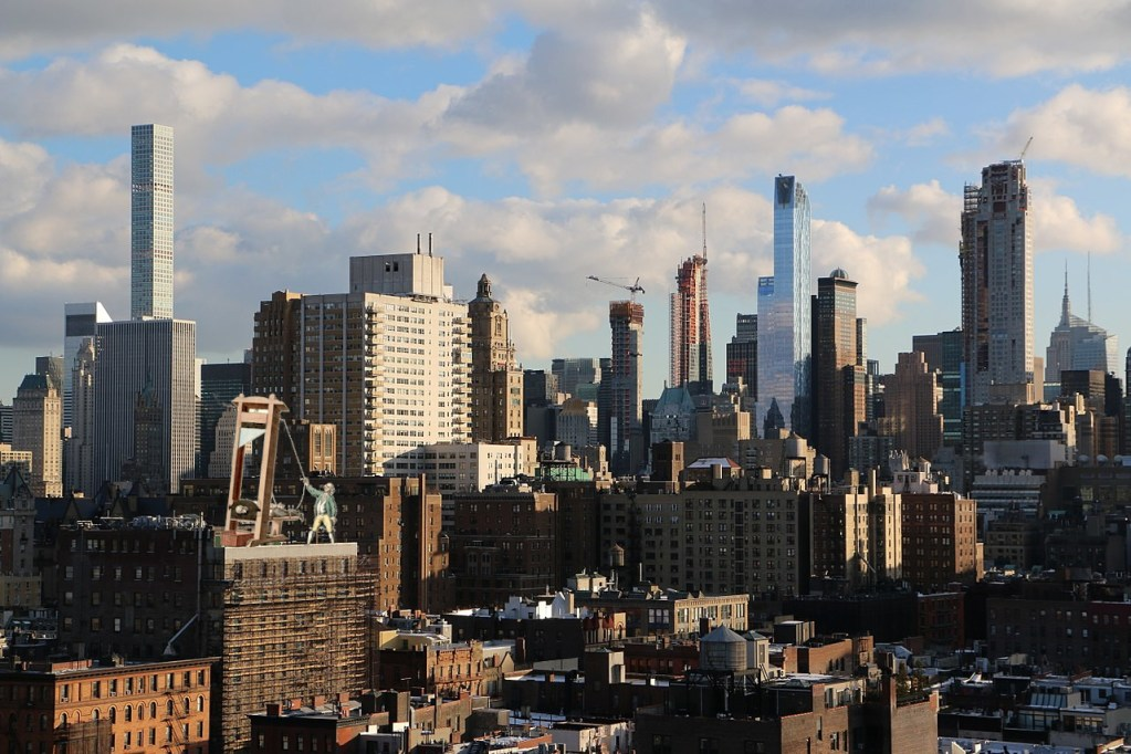 A quarter of NYC's post-2013 luxury condos are unsold