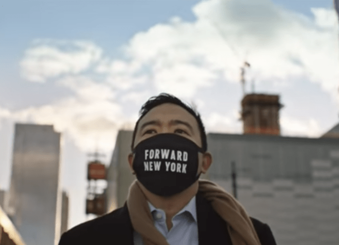 Andrew Yang defends threatened photographer on Staten Island Ferry | Boing Boing