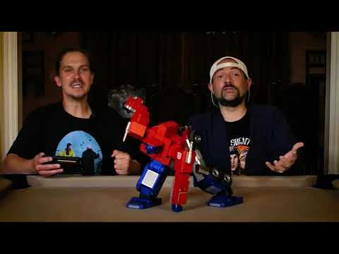 Kevin Smith and Jason Mews freak out over a toy (I want it too) | Boing Boing