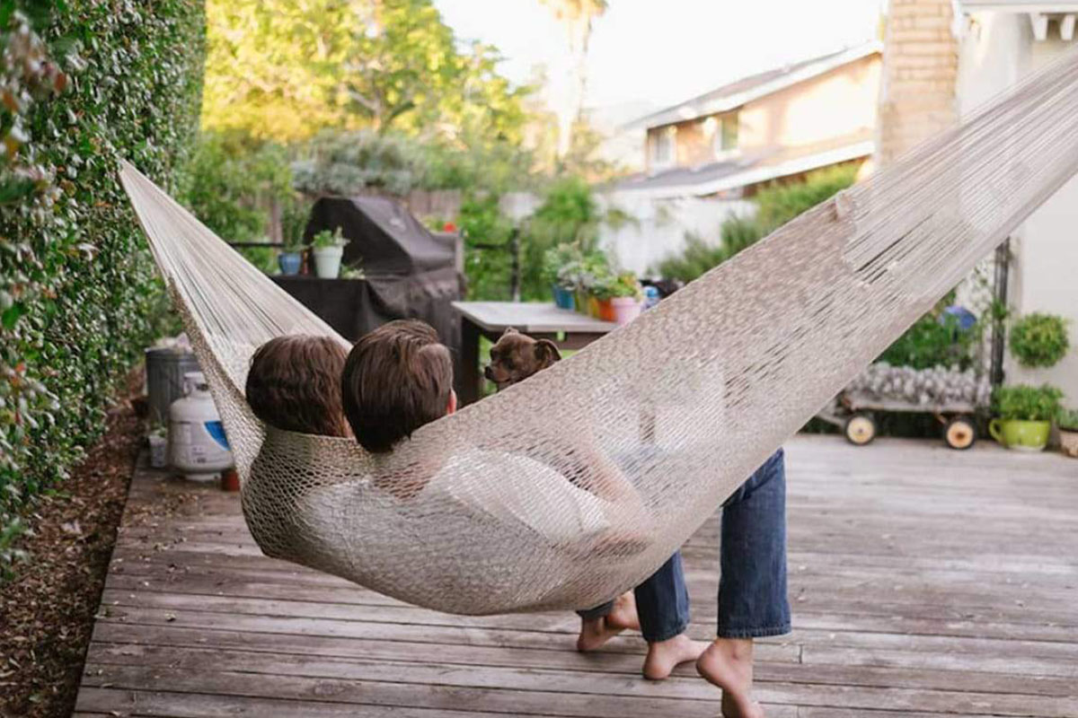 Save over 60% on this natural cotton rope hammock perfect for summer | Boing Boing