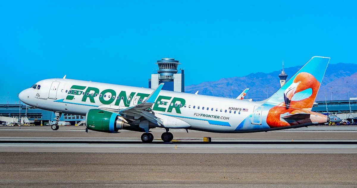 Frontier Airlines duct-taped an unruly man to his seat (caught on video) | Boing Boing