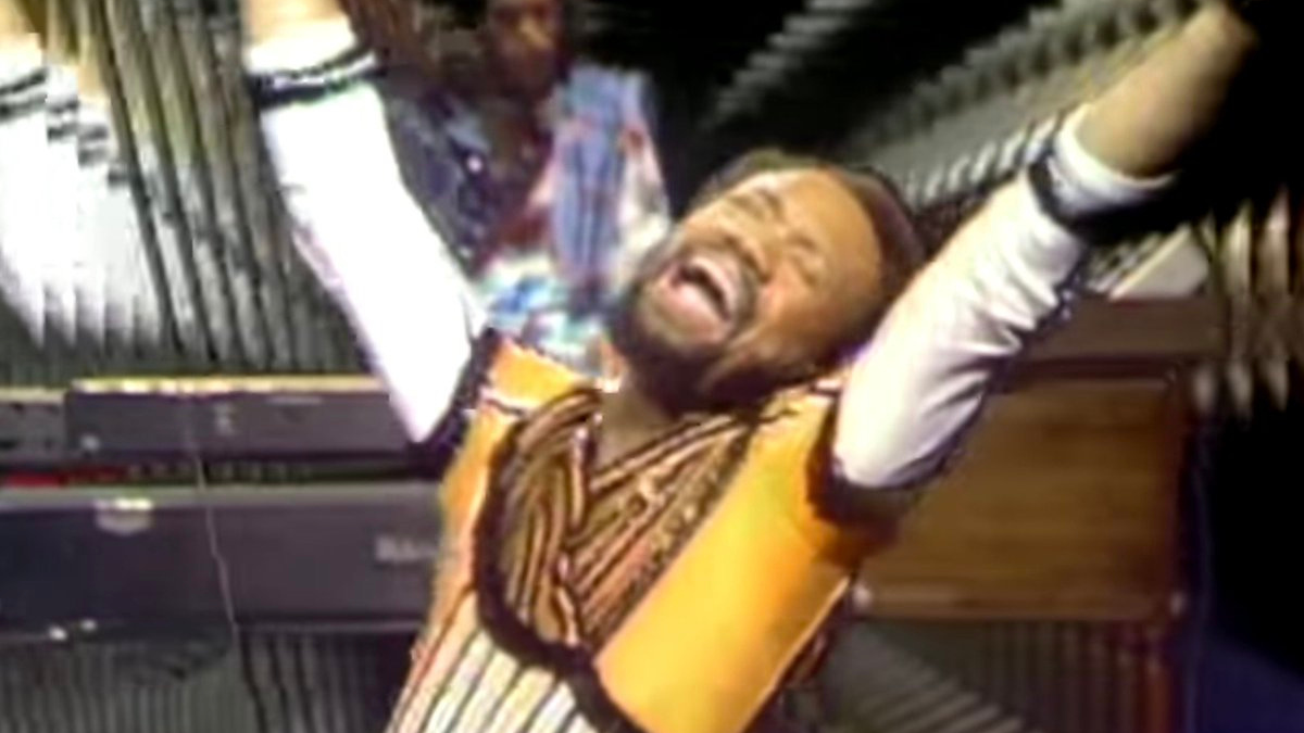 """Ba-de-ya, why Earth, Wind & Fire's """"September"""" nonsense lyric stayed in the song   Boing Boing"""