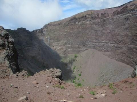 Krater še z druge strani