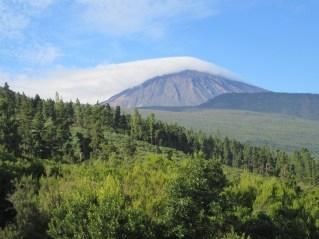 Lenitikularni oblak na El Teide (3719 m)