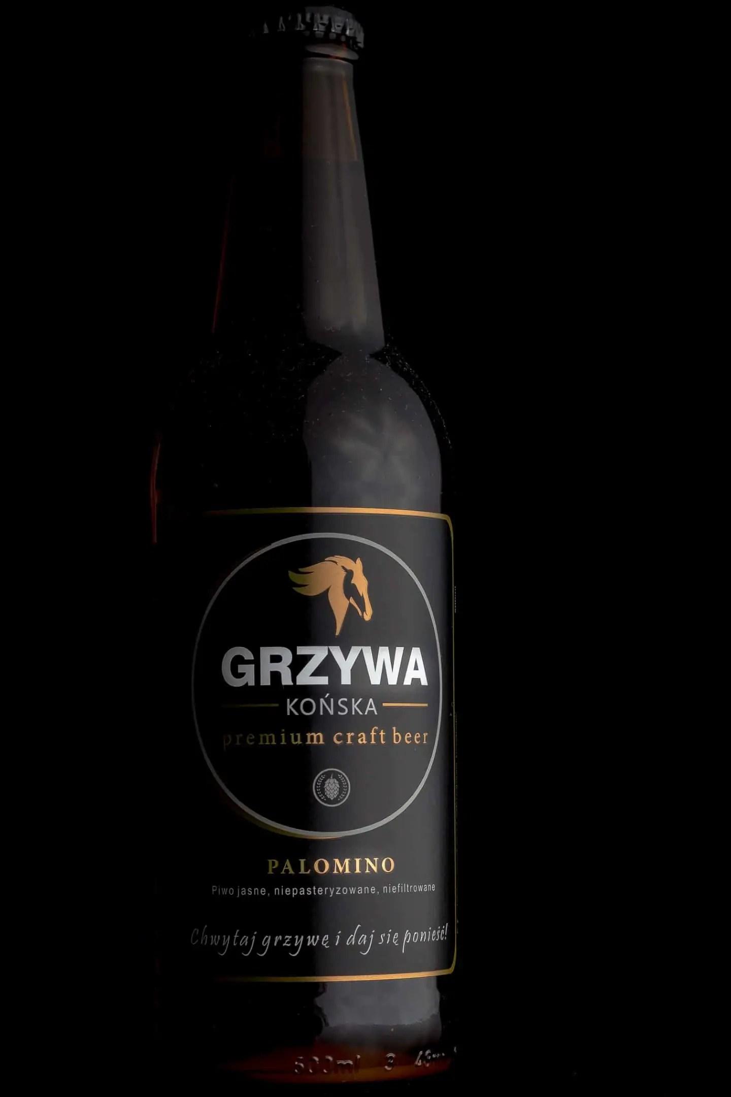 Fotografia produktowa butelka piwa Końska Grzywa na grilla. 9 - Fotografia produktowa Gdańsk