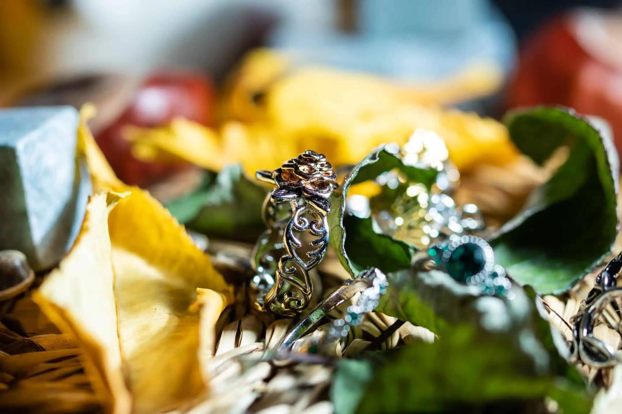 Fotografia produktowa w domu-pierścień róża