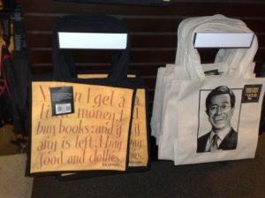 """Under tittelen """"Gifts for the reader"""" kan man finne mange ting"""