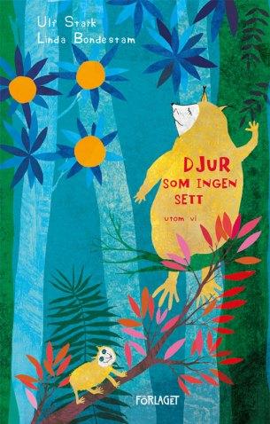 Bildet viser et bokomslag med et dyr med gul pels sittende i et grønt tre. Det er store blå blomster.
