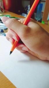 >>1のペンの持ち方