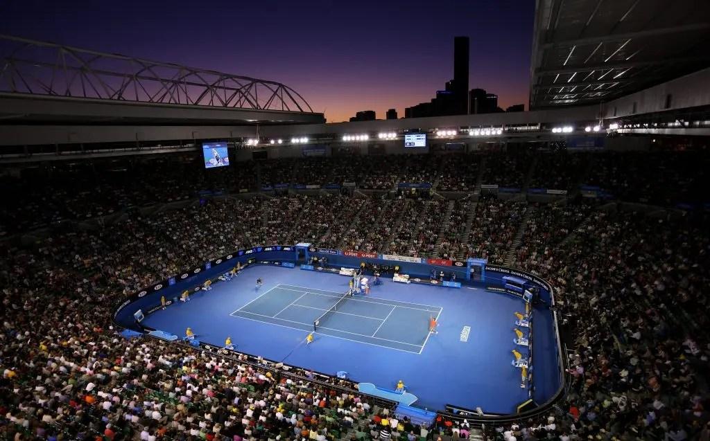 Australian Open vai permitir a 16 espectadores que se sentem… dentro do court