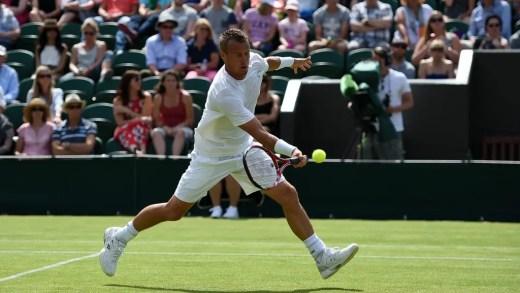 Antigos campeões de Wimbledon com sortes distintas na estreia