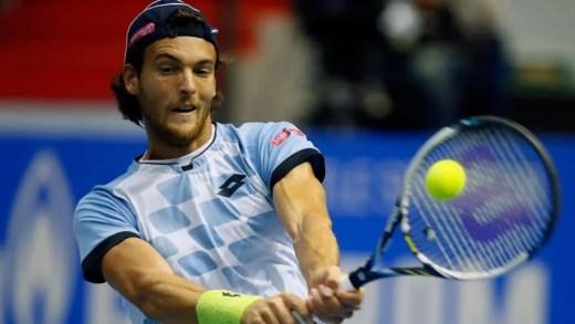 Barcelona. Sousa defronta jogador com dois títulos ATP… em Portugal