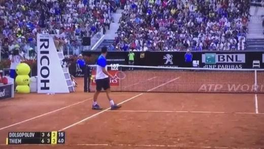 [Vídeo] Outra vez, Dominic. Thiem oferece ponto a adversário em Roma
