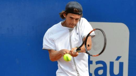 Pedro Sousa vitorioso rumo aos quartos-de-final do Challenger de Santiago