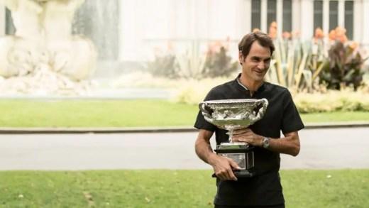 Roger Federer exibe a nova menina dos seus olhos
