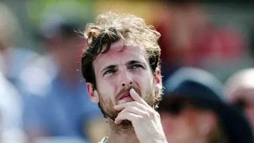 João Sousa fecha época ATP com derrota perante Del Potro na segunda ronda em Paris