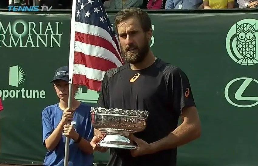 Steve Johnson sofre, derrota Thomaz Bellucci e conquista o ATP 250 de Houston