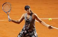 [Vídeo e fotos] O primeiro treino de Sharapova no recinto de um torneio após 15 meses