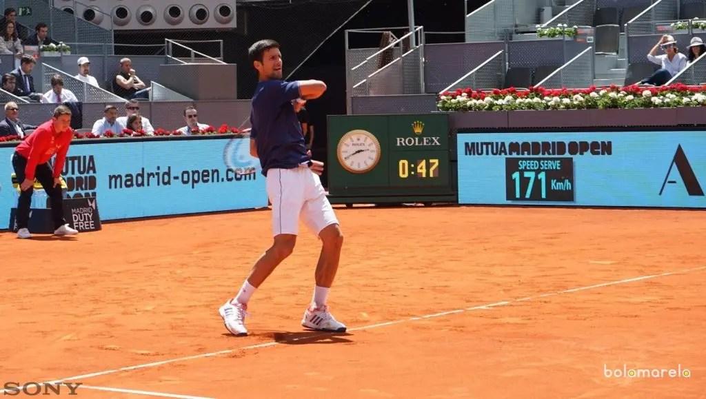 Djokovic sofre, mas vence Almagro em estreia no Masters de Madri