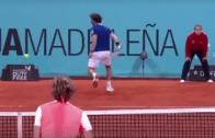 [Vídeo] Pablo Cuevas chegou às meias-finais de um Masters 1000 pela 1.ª vez e… fez isto pelo meio!