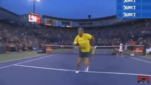 Rafael Nadal 'manda' cameraman ao chão… com sprint
